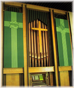 Highwood Luthern organ